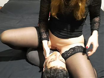 I punish my slave under my pussy!